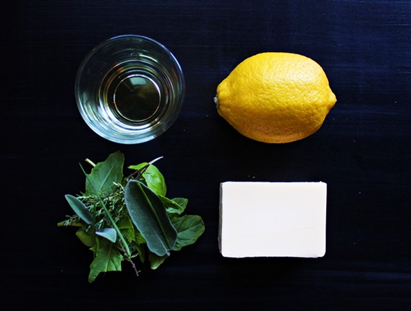 Herb and lemon butter ingredients, How to make flavored butter and how to use it. Learn it all at Ateriet.