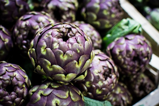 Health water Artichoke, photo: Foodiesfeed. A closer look at Health Waters, learn all about this drink trend