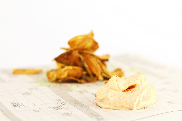 Homemade Chips with Herb Salt and Sriracha Dip, get the recipe at Ateriet.com