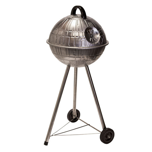 Death Star Grill is here and this is what you will want to cook your meat on this summer, check it out at Ateriet - A Food Culture Website.