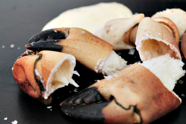 Crab Claws with Homemade Aioli & Salt