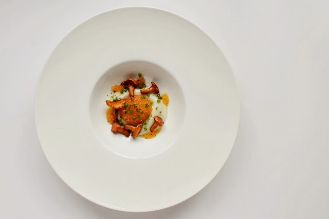 Sunchoke Cream with Chanterelles and Bleak Roe