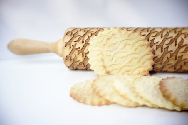 rolling pin with patterns