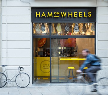 ham on wheels exterior