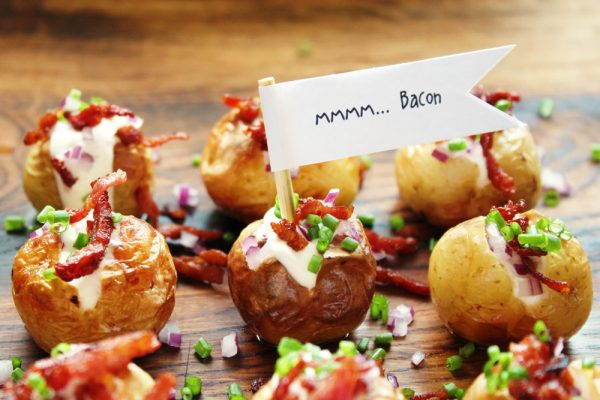 Mini Baked Potatoes with Sour Cream, Bacon and Chives