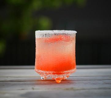 pink grapefruit salty dog