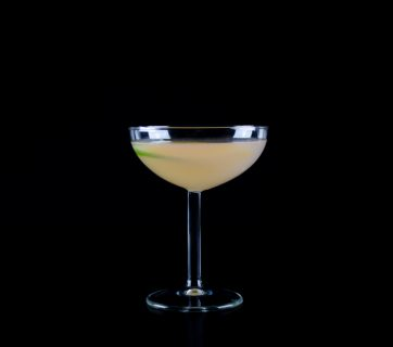 How To Make a Pink Grapefruit Gimlet