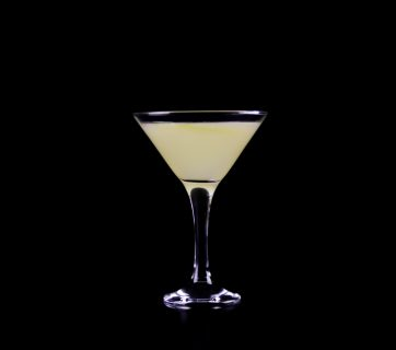 How To Make a Classic Bee's Knees Cocktail