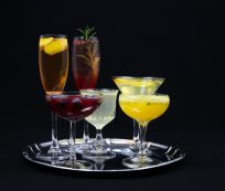 6 Champagne Cocktails To Serve This New Year's Eve - Ateriet.com