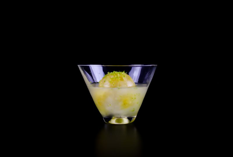 Passion fruit ice drink with vodka and lime for Vodka and iced tea drinks