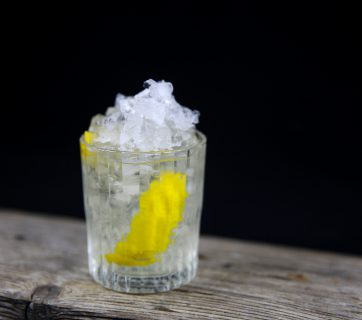 Elderflower Gin Smash - The Perfect Spring Cocktail