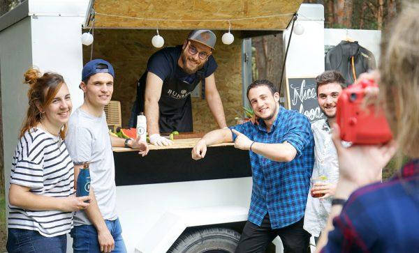 Caravan food truck
