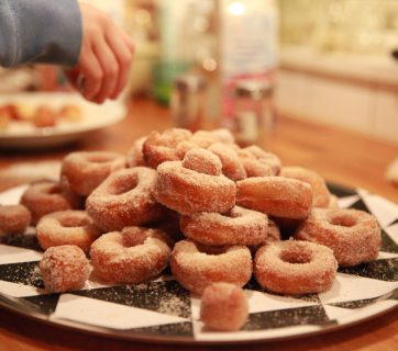 How To Make Mini Doughnuts With Cinnamon and Sugar