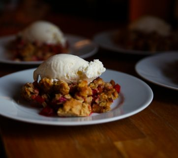 Easy Rhubarb Crumble Pie - You can't fail this