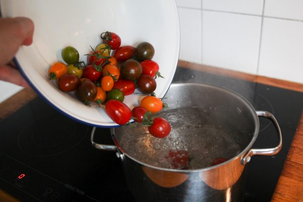How To Make Oven Dried Cherry Tomatoes